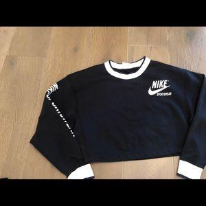 Nike cropped reversible sweatshirt. Size M